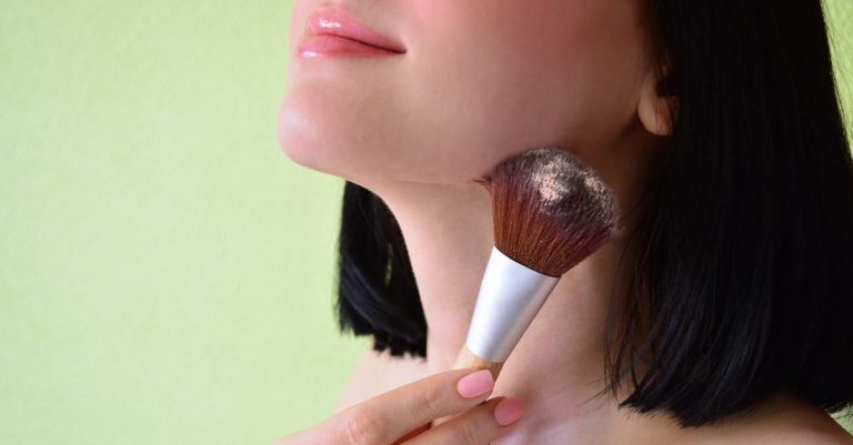 How To Apply Blush Perfectly? Know 6 Easy Tips!